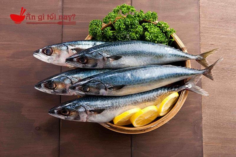 Phụ nữ mang thai nên ăn các loại cá giàu Omega-3 để tốt cho trí não trẻ