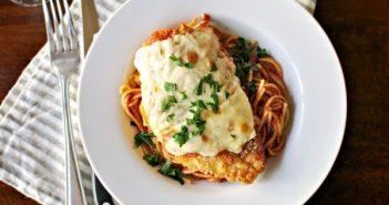 Công thức món mì spaghetti với gà nướng phô mai hấp dẫn