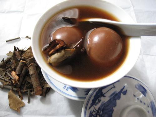 Cách làm món trứng trà cực độc đáo và hấp dẫn