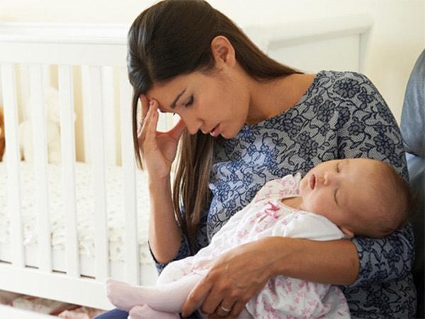 Rối loạn giấc ngủ có phải là nguyên nhân gây trầm cảm sau sinh?