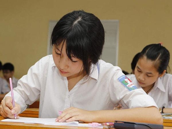 Bí quyết giúp trẻ làm bài thi môn tiếng Anh đạt kết quả tốt 2