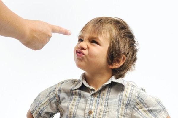 Những dấu hiệu cánh báo chứng rối loạn hành vi ở trẻ nhỏ 1