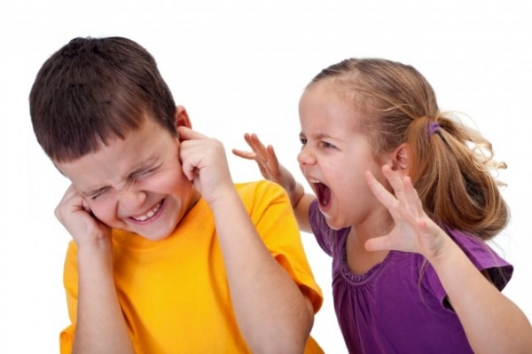 Những dấu hiệu cánh báo chứng rối loạn hành vi ở trẻ nhỏ 3