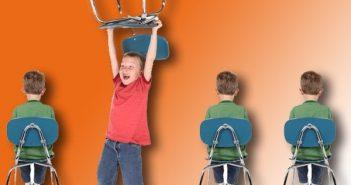 Những dấu hiệu cánh báo chứng rối loạn hành vi ở trẻ nhỏ