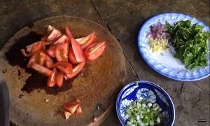 Canh rau muống nấu chua 2