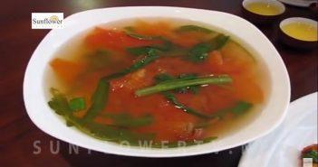 Canh rau muống nấu chua