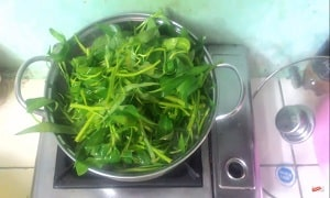 Canh rau muống nấu chua 6