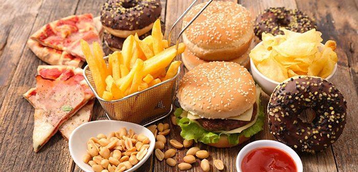 Những thực phẩm gây nguy cơ ung thư còn hơn cả hút thuốc lá