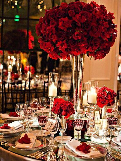 Chọn bình phù hoa Hồng Đỏ phù hợp với tiệc cưới