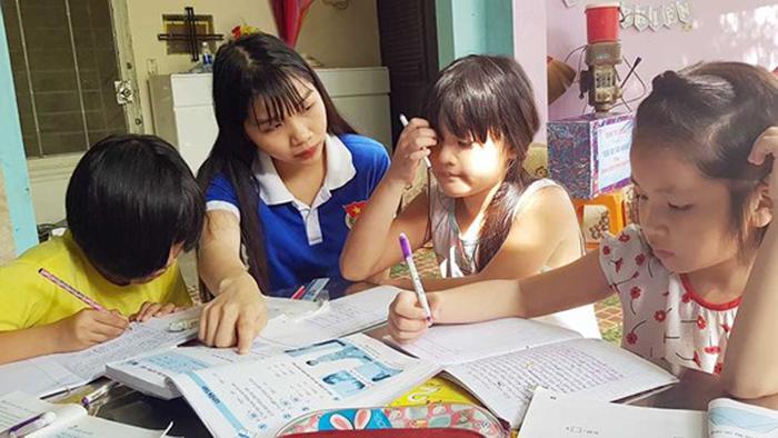 Gia sư sinh viên trẻ trung, nhiệt tình, dễ lấy được tình cảm của học sinh
