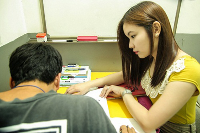 Gia sư sinh viên linh động về thời gian hơn so với giáo viên