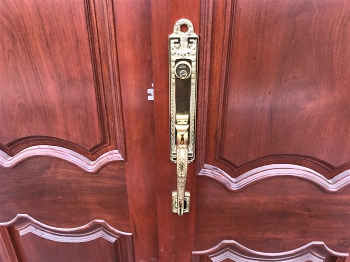 Khóa cửa gỗ