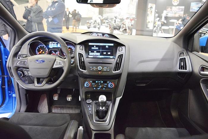 Phần nội thất sang trọng, tiện nghi của Ford Focus