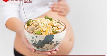 Bà bầu ăn mì tôm ảnh hưởng như thế nào đến sức khỏe?