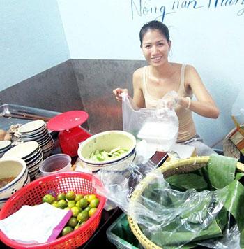 Siêu mẫu Trang Khàn tự chuẩn bị thực phẩm