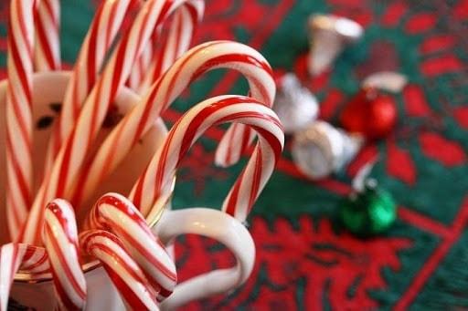 Những cây kẹo bạc hạ là món ăn đặc biệt quan trọng trong giáng sinh