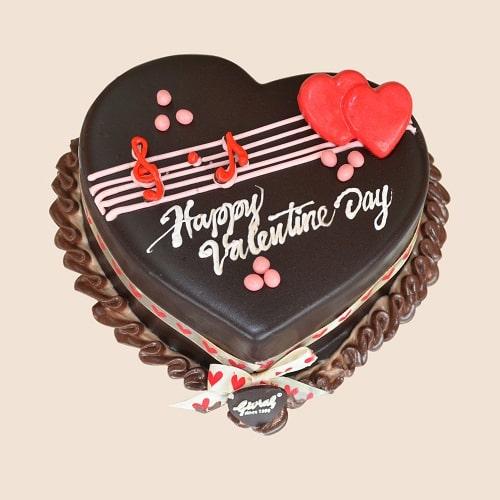 Bánh kem socola cùng những lời chúc ngọt ngào