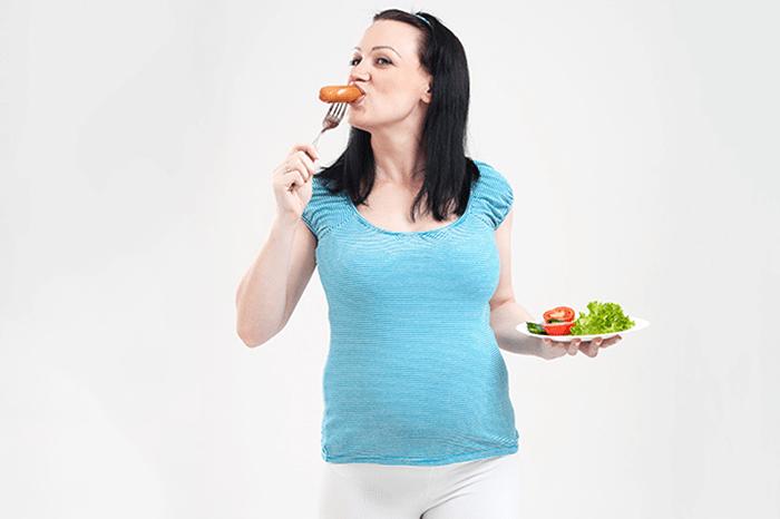 Ăn xúc xích có tốt cho bà bầu không?