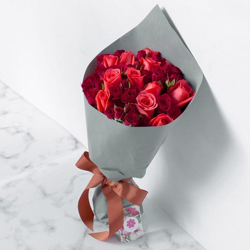 Hoa hồng là loại hoa quen thuộc để tặng sinh nhật bạn gái
