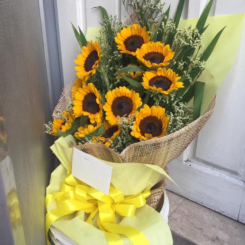 Hoa hướng dương là loại hoa quen thuộc để tặng sinh nhật bạn gái